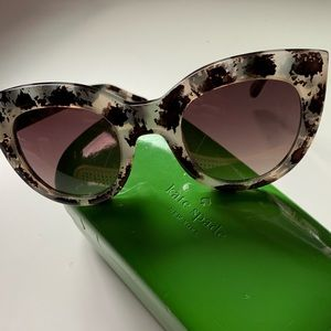 Kate Spade NWOT cat eye sunglasses